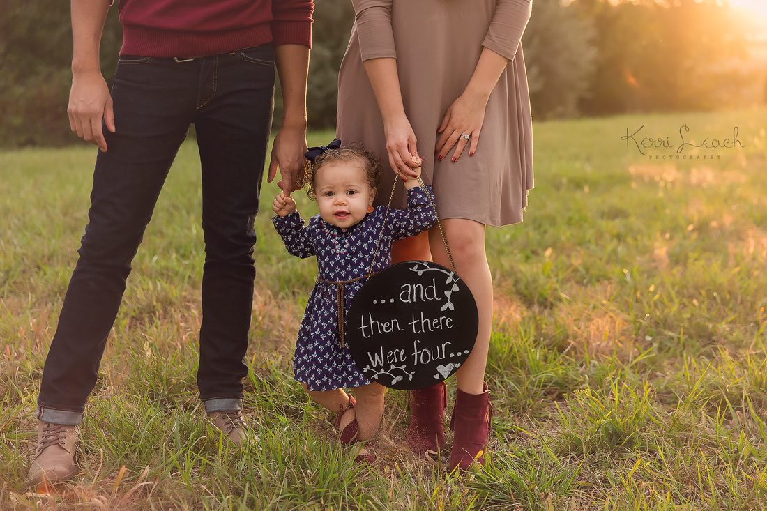 Pregnancy announcement-Family session Evansville, IN-Evansville IN newborn, baby and family photographer
