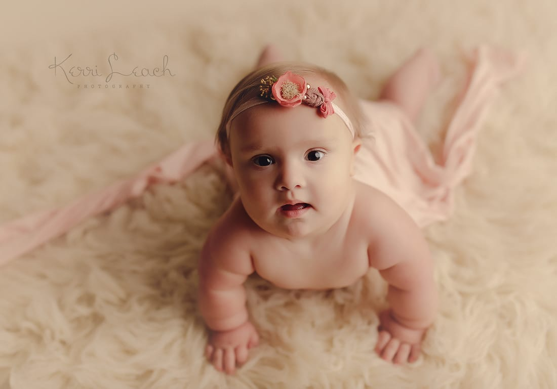 9 month session-9 month milestone-Evansville, Indiana photographer- Indiana newborn, baby photographer