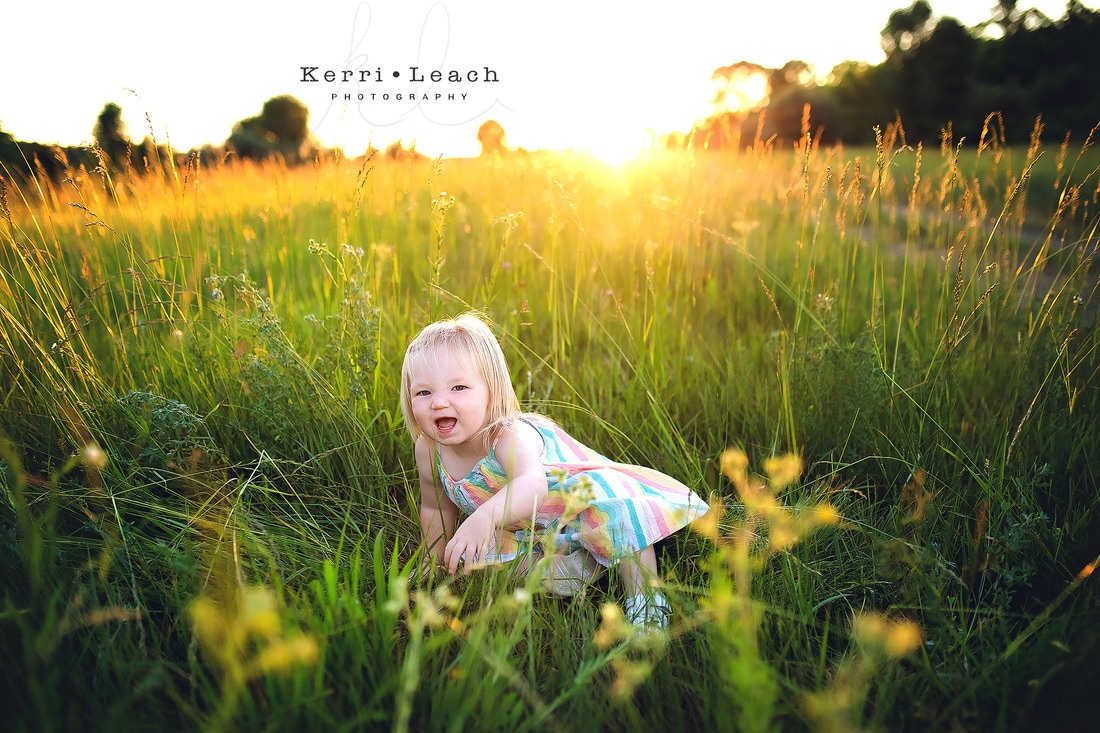 Kerri Leach Photography | Outdoor family session | Golden hour | Family session Evansville Indiana | Family session Owensboro area | Indiana photographer