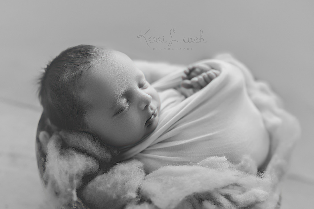 Newborn session Evansville, IN-Evansville IN Newborn photographer-Indiana newborn photographer-Newborn photography poses