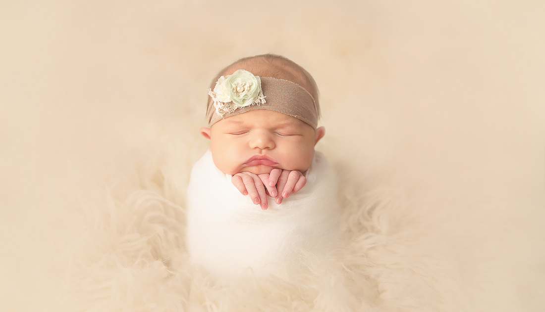 Kerri Leach Photography | Evansville, IN newborn photographer | newborn photography