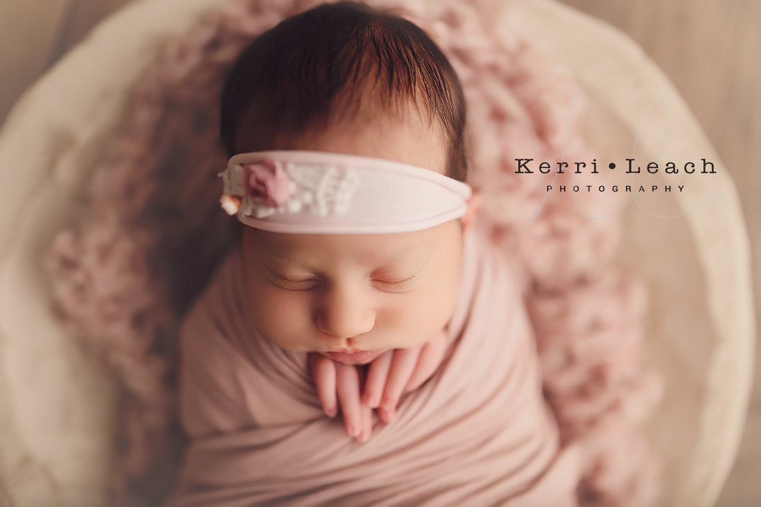 Kerri Leach Photography | Newborn prop poses | Newborn wrapping | Newborn session in Newburgh, IN | Indiana newborn photographer