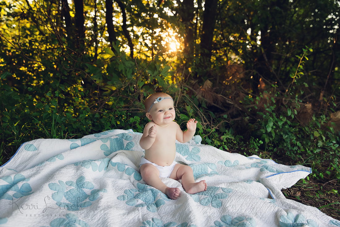 Kerri Leach Photography-Evansville IN newborn, baby and family photographer-Evansville IN milestone session