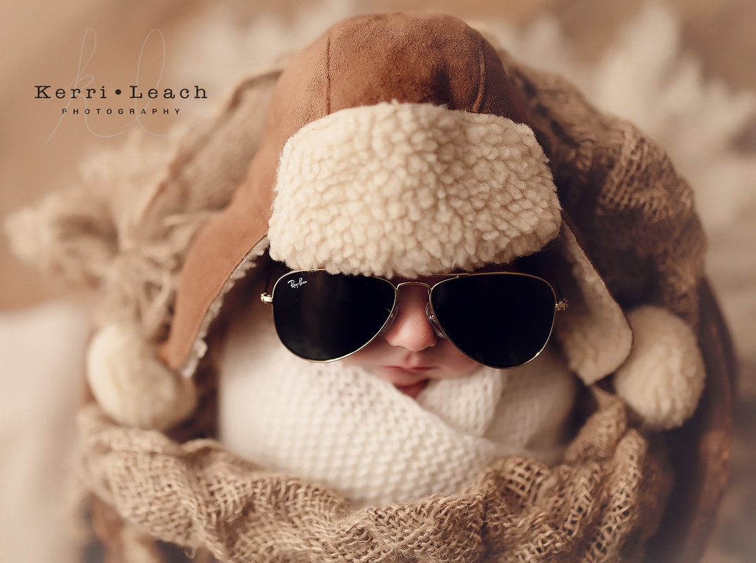 Newborn top gun theme | Newborn session posing | Top gun | Newborn posing | Newborn prop posing | Kerri Leach Photography